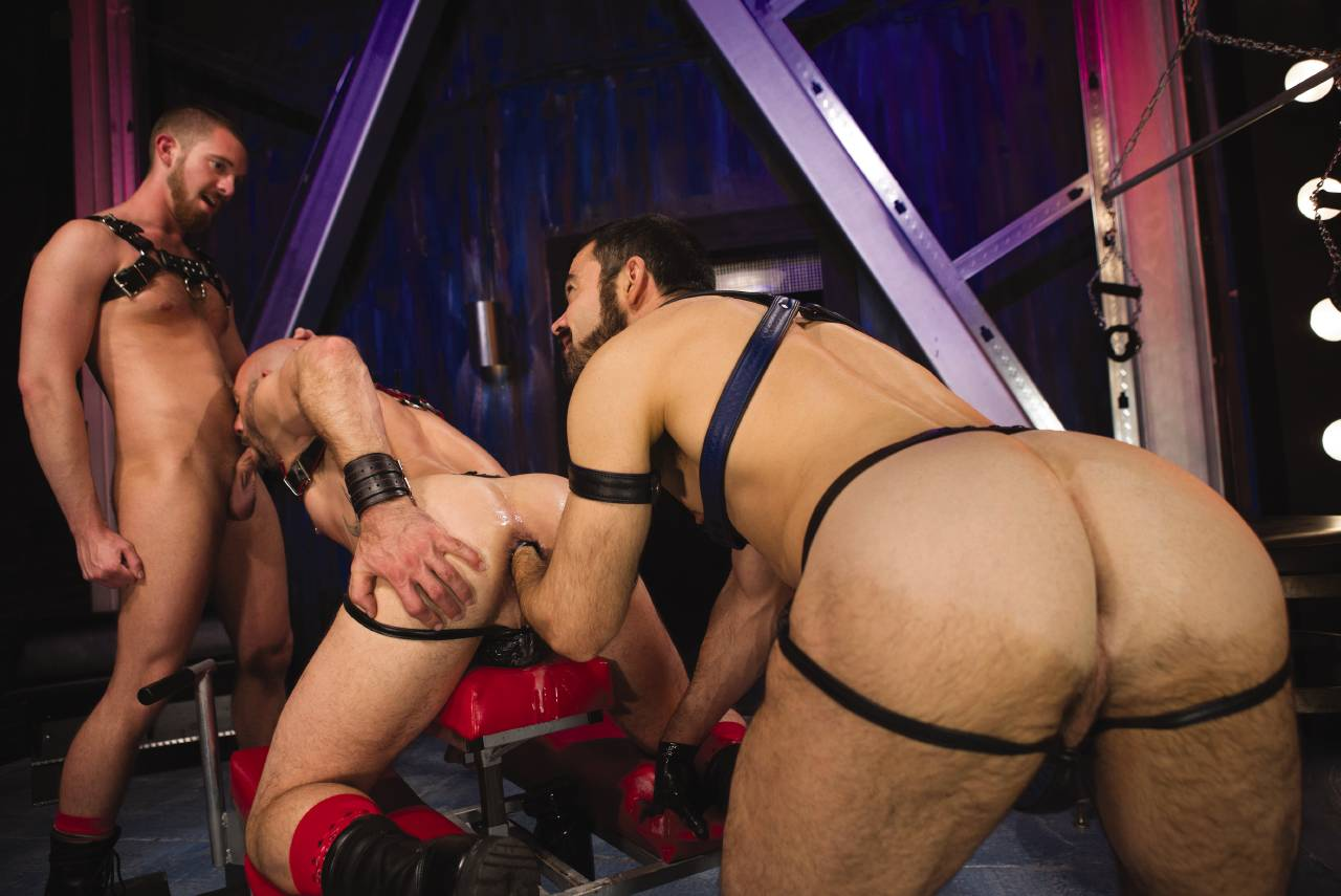 Club inferno dungeon pics and gay porn images
