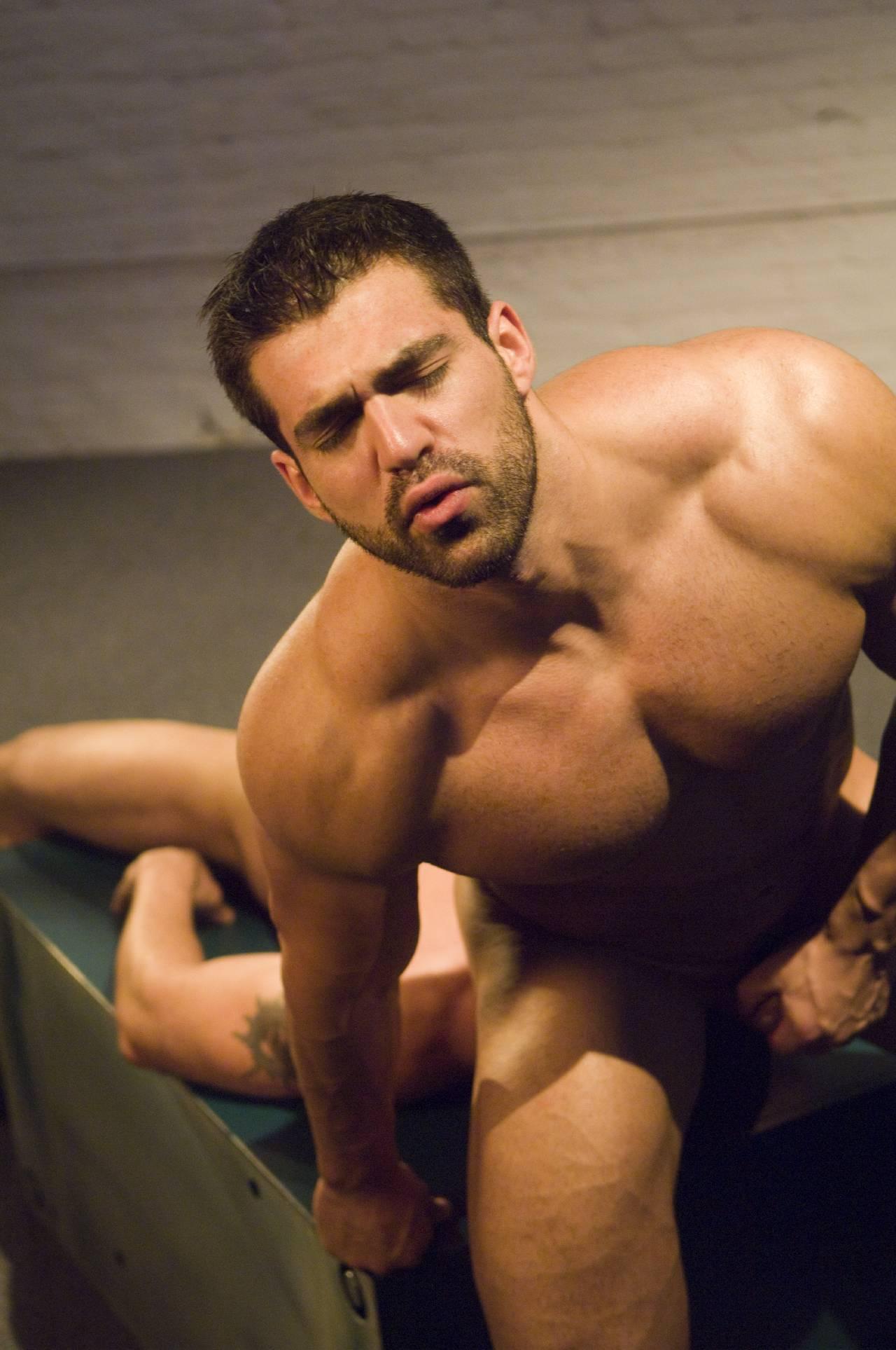 Sportsman gay sucking cock porn