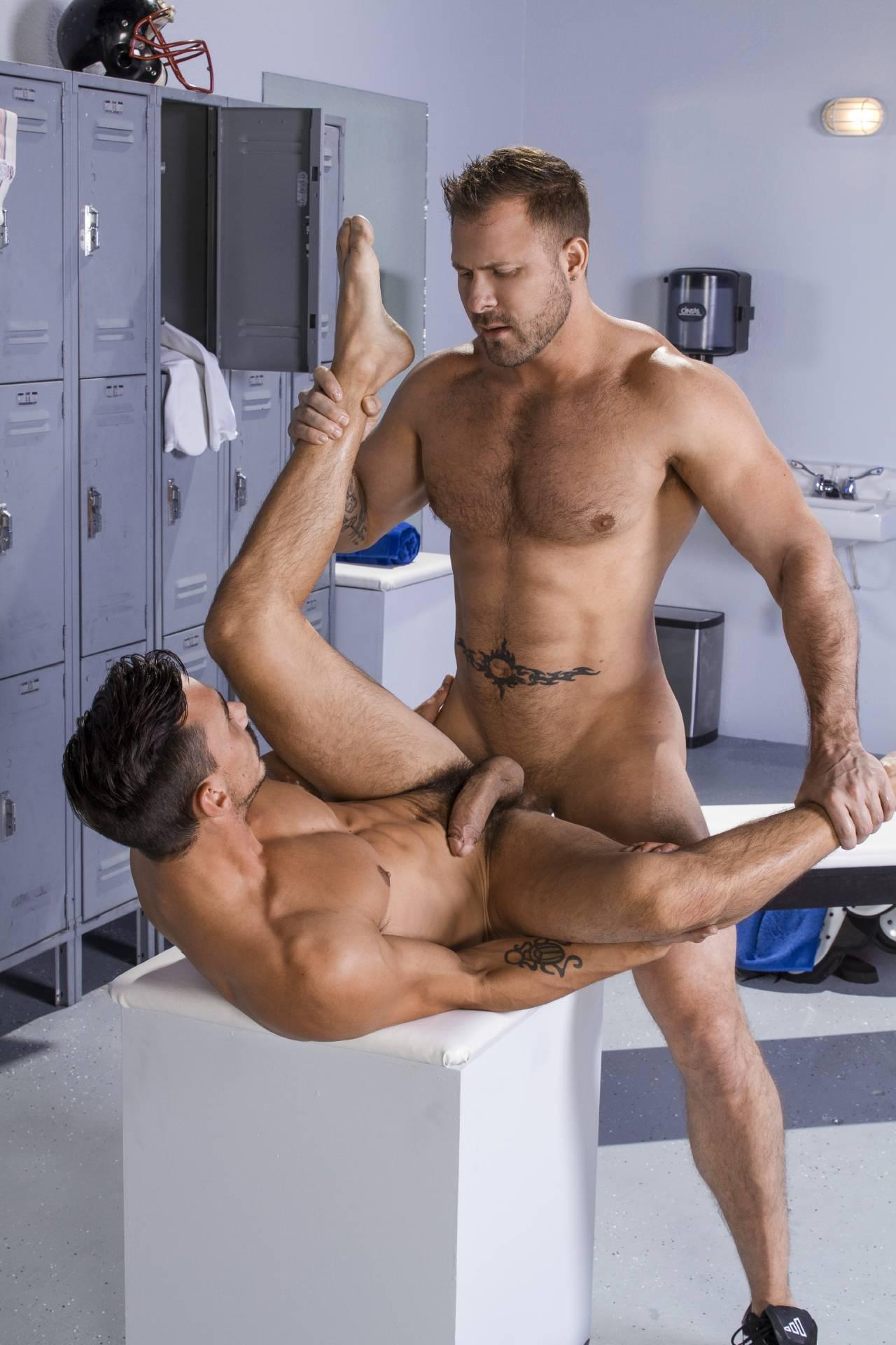 raunchy gay men into piss videos