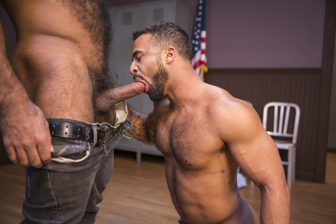 xxx-porn-gays-hairy-sex-muscles-being-head