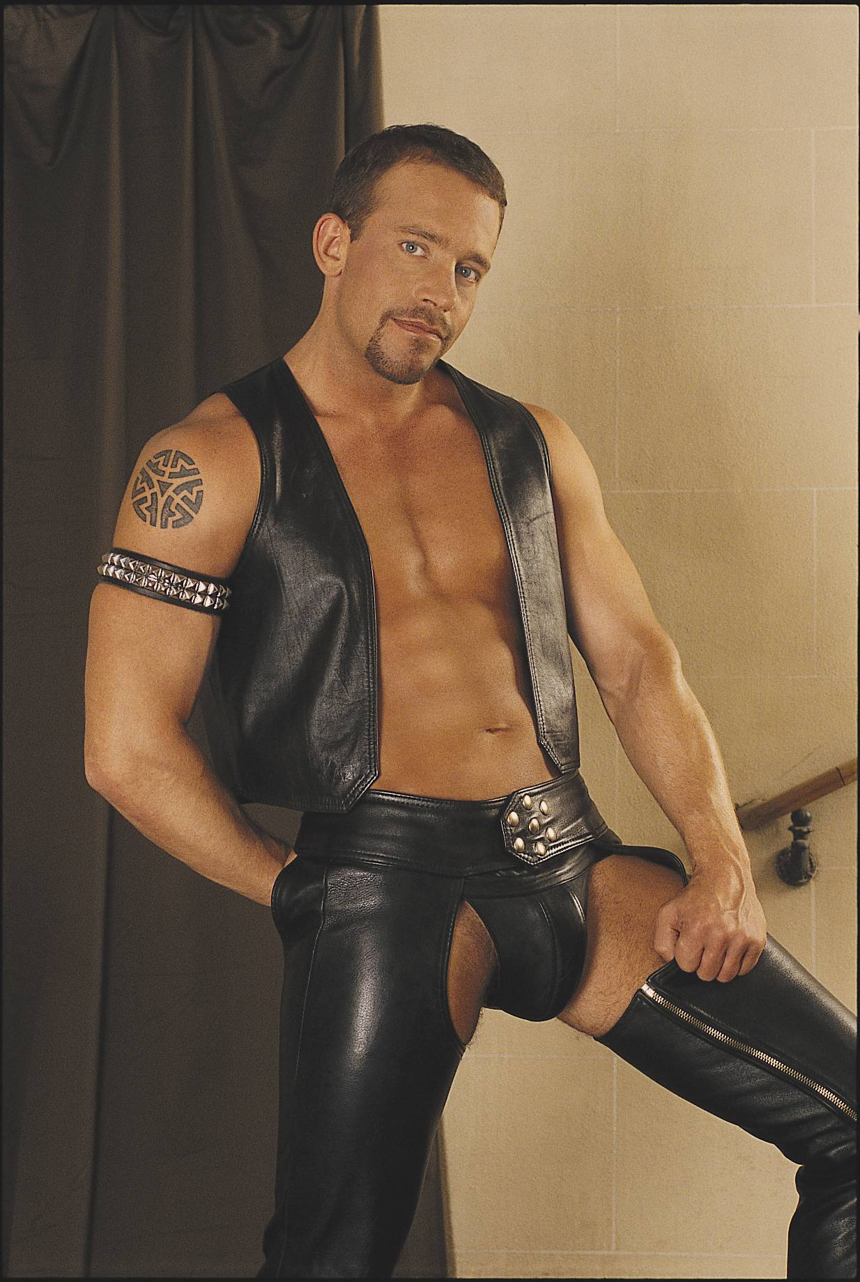 Shockwave leather gay