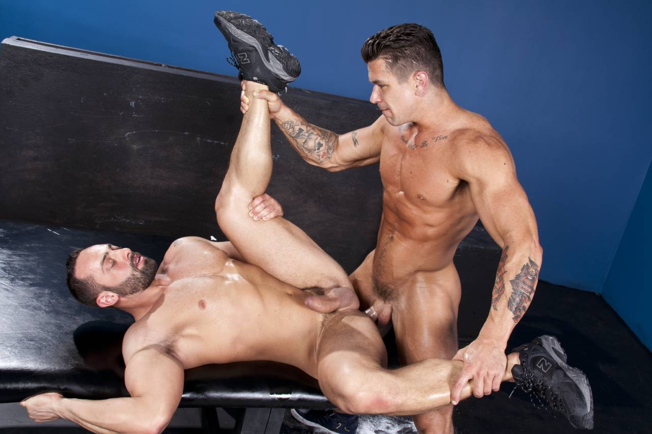 Italian muscle hunk male fuck a yong guy hard just a gay blog watch online
